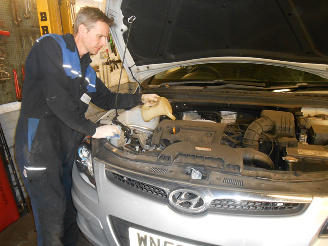 Hyundai Car Servicing at Golden Hill Garage (Redland) Bristol