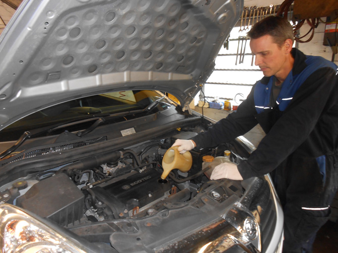 Vauxhall Car Servicing at Golden Hill Garage (Redland) Bristol